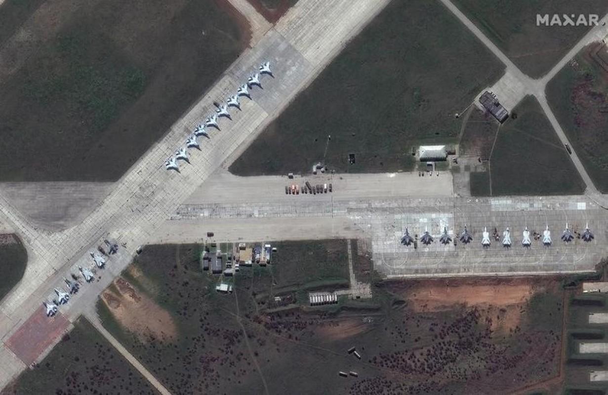 Hang loat Su-30SM cua Nga san sang o bien gioi