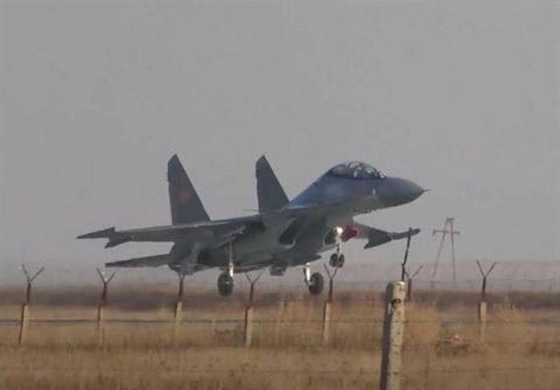 He lo nguyen nhan gap nan day bat ngo cua tiem kich Su-30SM Kazakhstan-Hinh-12