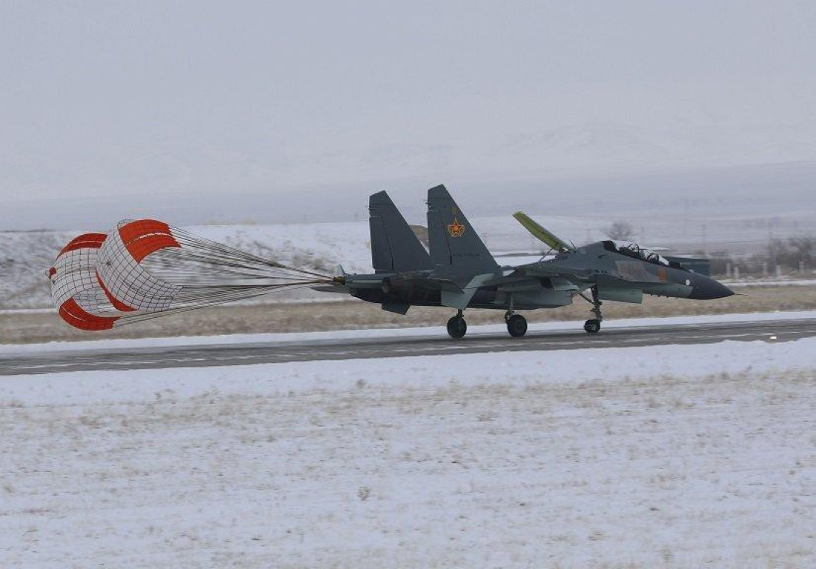 He lo nguyen nhan gap nan day bat ngo cua tiem kich Su-30SM Kazakhstan-Hinh-14