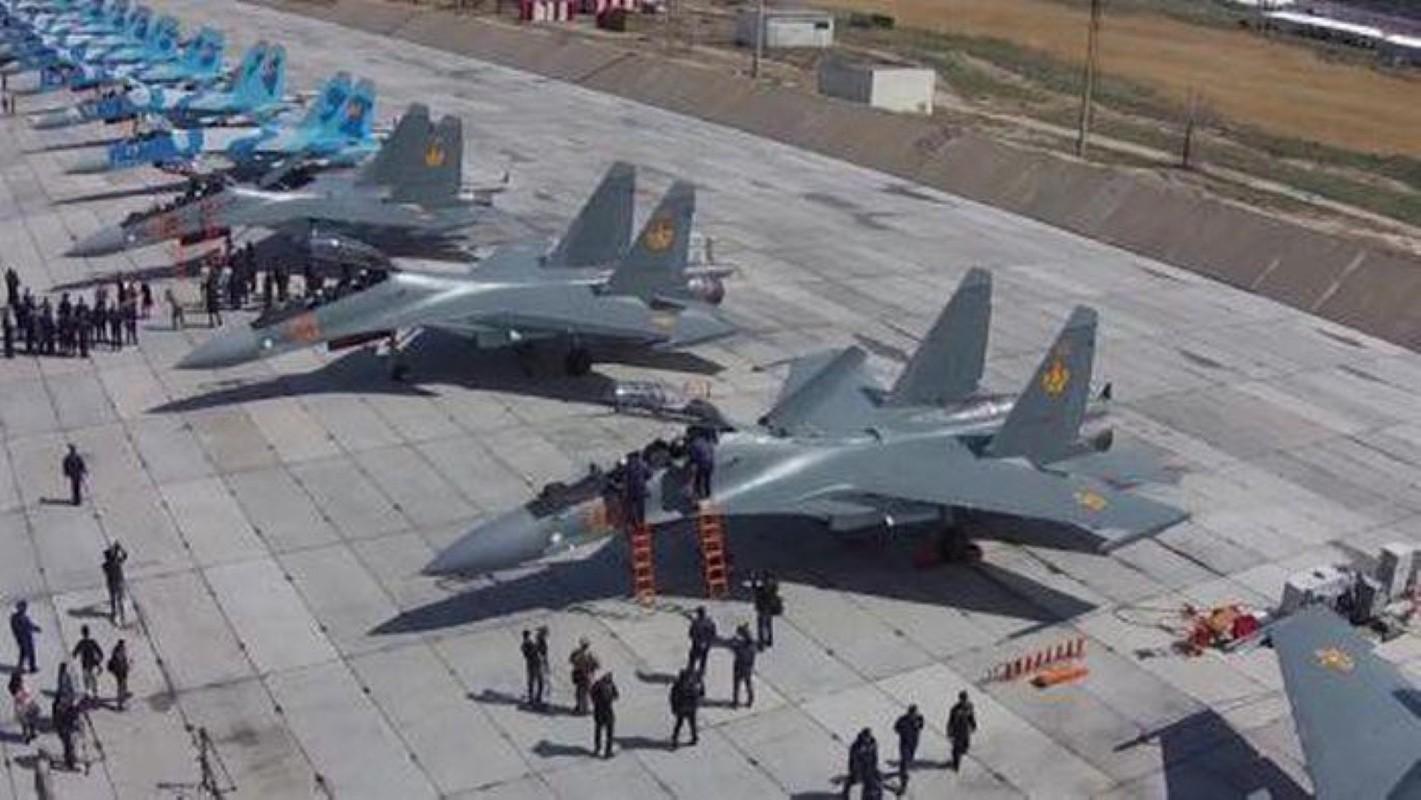He lo nguyen nhan gap nan day bat ngo cua tiem kich Su-30SM Kazakhstan-Hinh-3