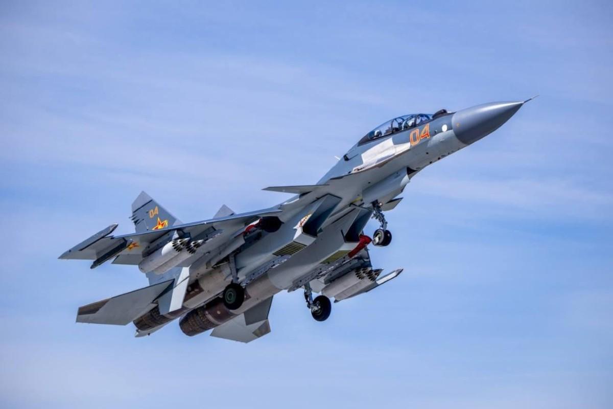 He lo nguyen nhan gap nan day bat ngo cua tiem kich Su-30SM Kazakhstan-Hinh-8