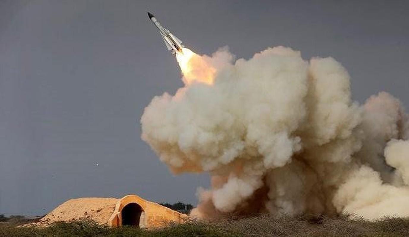 S-200 Syria suyt ban trung co so hat nhan, coi bao dong Israel ren vang-Hinh-19