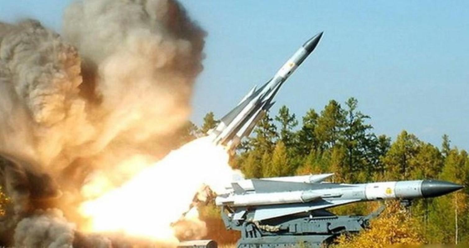 S-200 Syria suyt ban trung co so hat nhan, coi bao dong Israel ren vang-Hinh-7