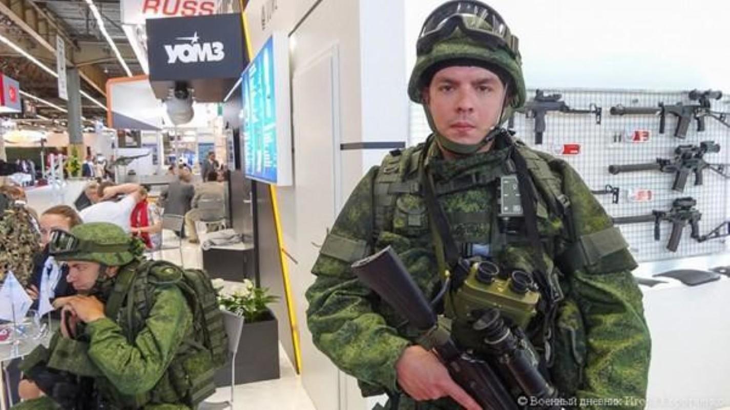 Luc luong ly khai Ukraine da co bo quan trang Ratnik cua Nga?-Hinh-17