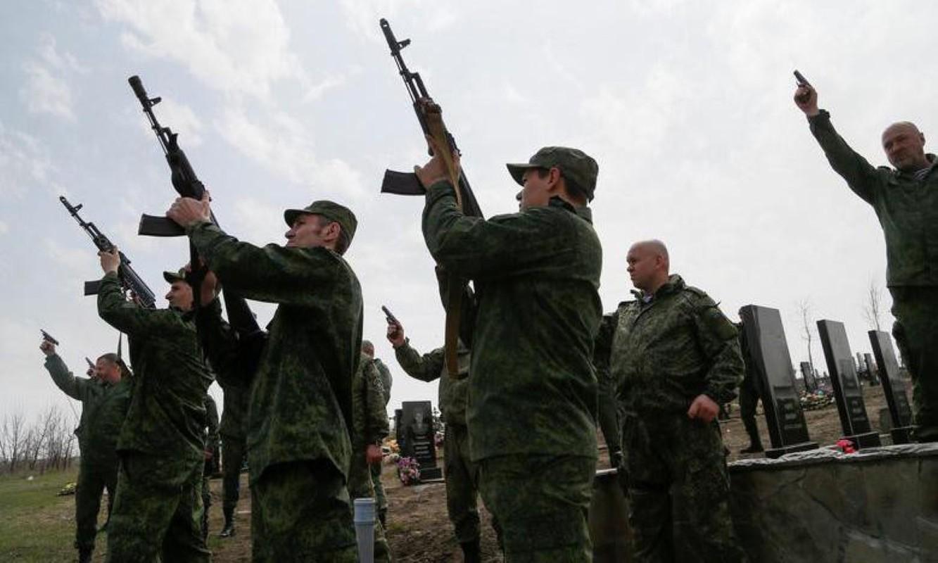 Luc luong ly khai Ukraine da co bo quan trang Ratnik cua Nga?-Hinh-3