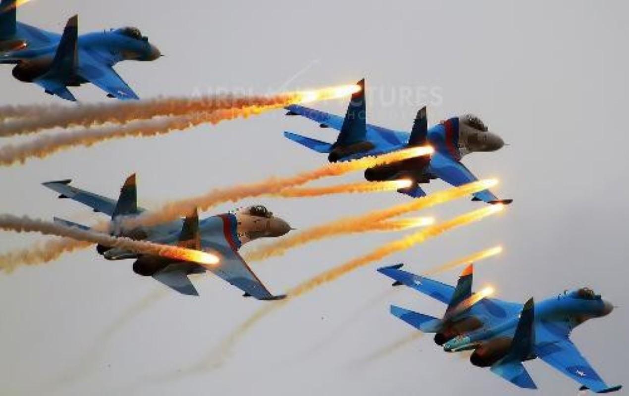 Khong can Su-30/35, chi can Su-27SM3 Nga da vuot troi khong quan Ukraine-Hinh-11