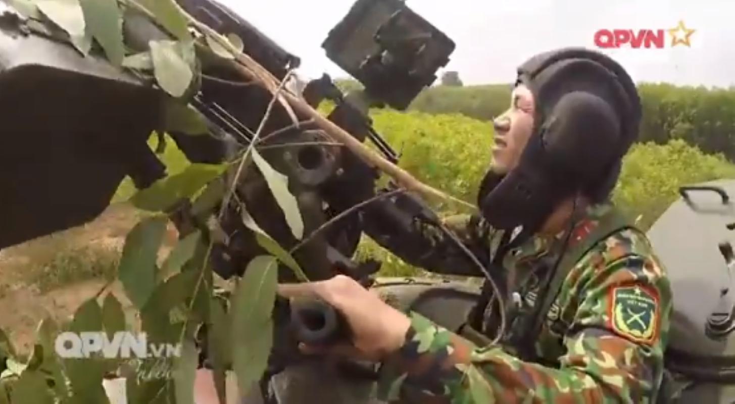 Mau xe tang T-54 doc nhat vo nhi Viet Nam dang so huu-Hinh-10