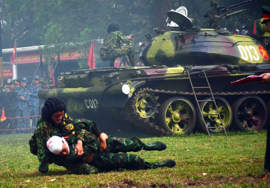 Mau xe tang T-54 doc nhat vo nhi Viet Nam dang so huu-Hinh-6