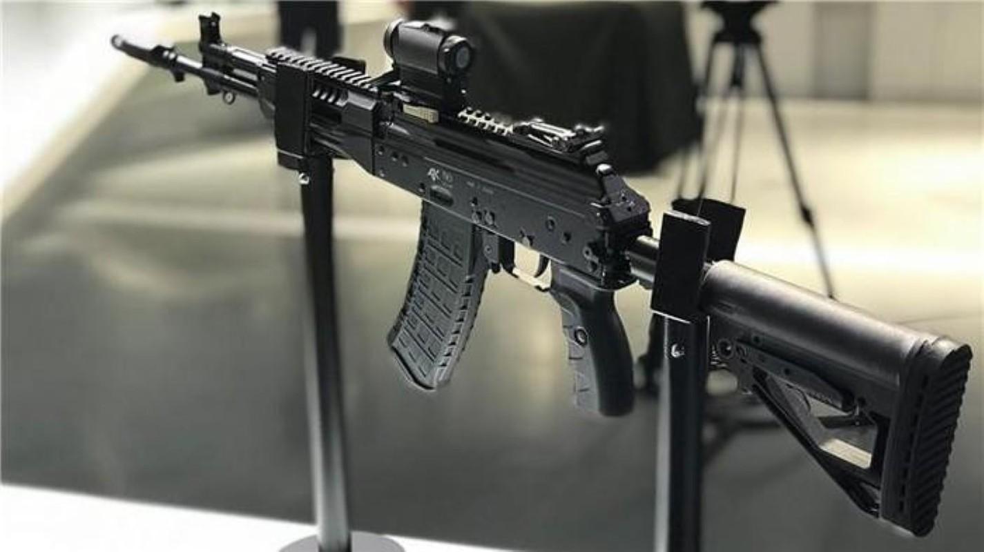 Su that man doi dau giua sung truong tan cong AK-12 Nga va ao giap My-Hinh-19