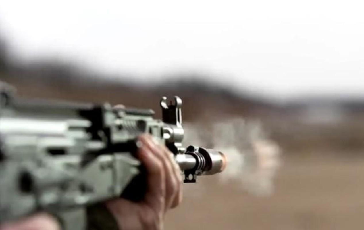 Su that man doi dau giua sung truong tan cong AK-12 Nga va ao giap My-Hinh-4