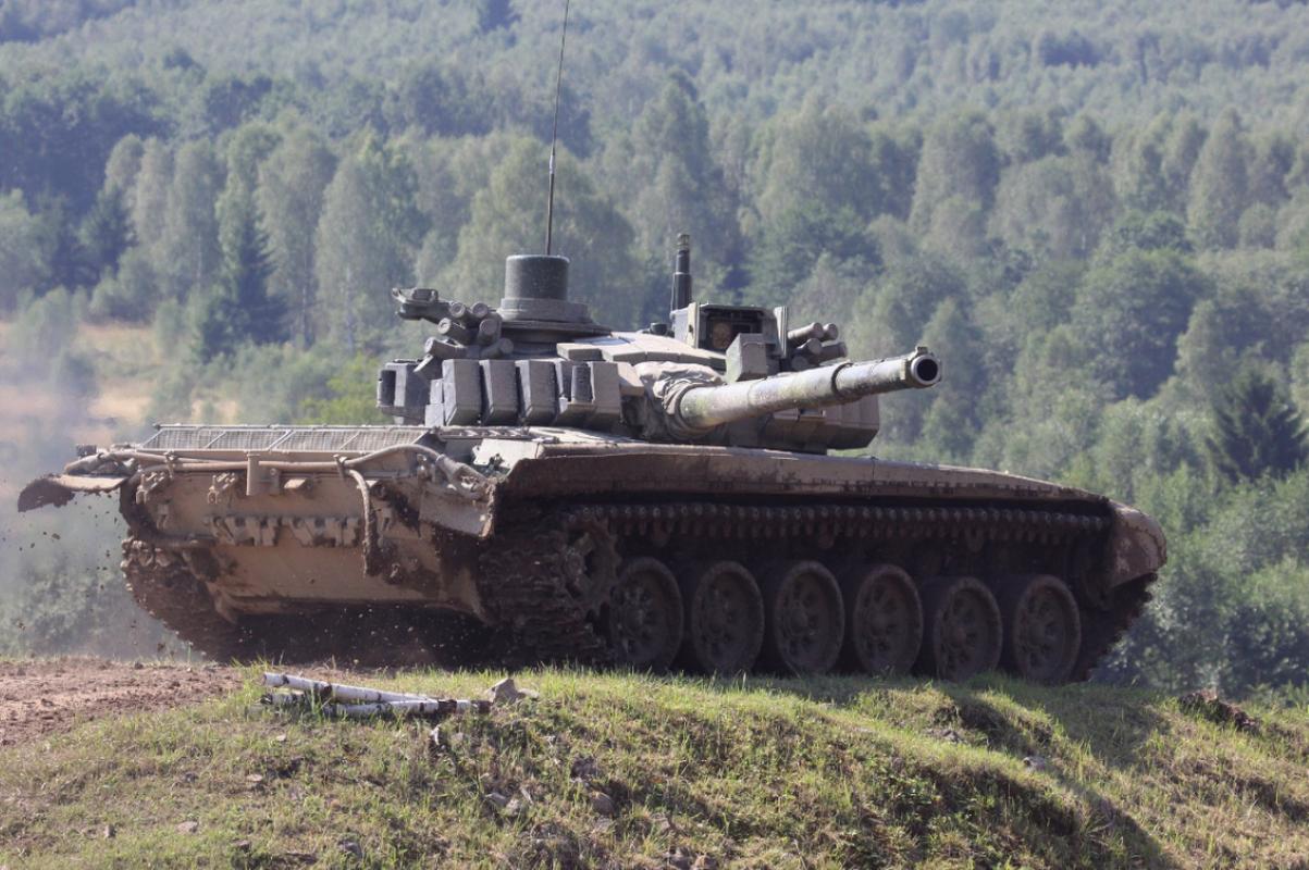 Bao My bat ngo khen ngoi xe tang T-72 Nga het loi!-Hinh-12