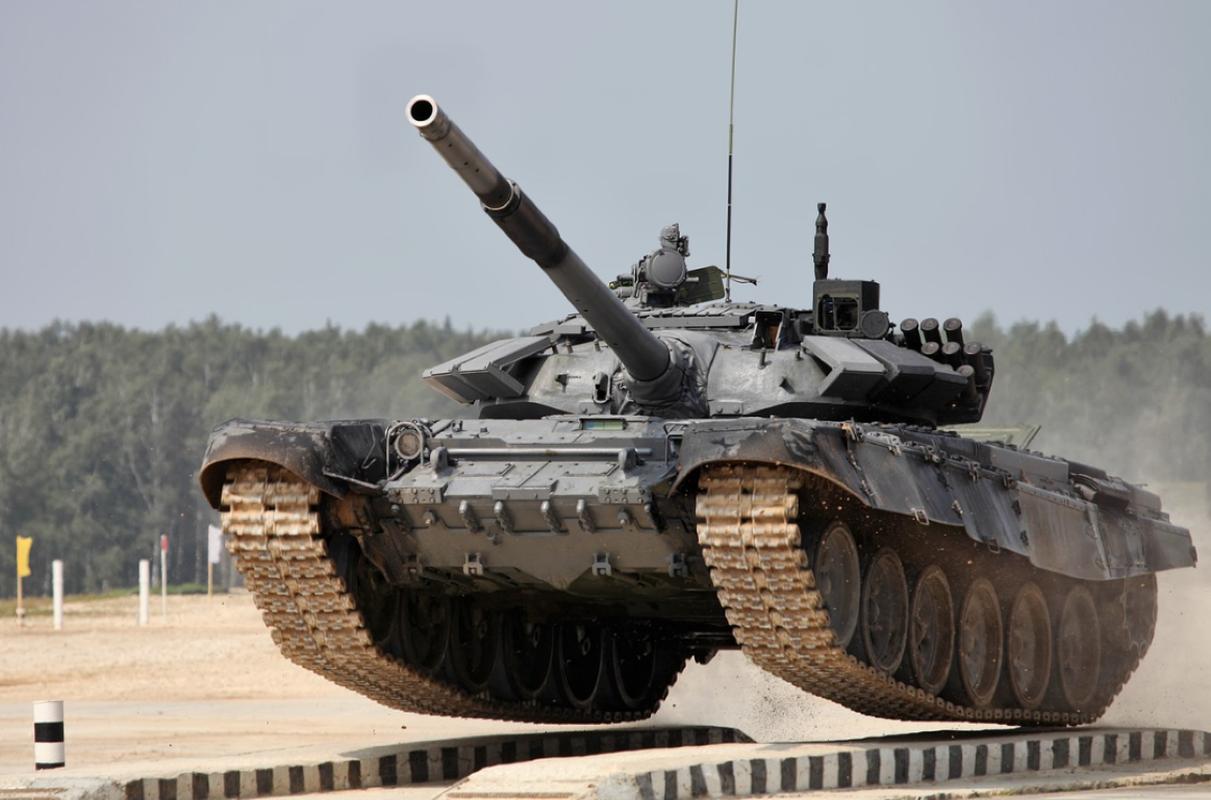 Bao My bat ngo khen ngoi xe tang T-72 Nga het loi!-Hinh-6