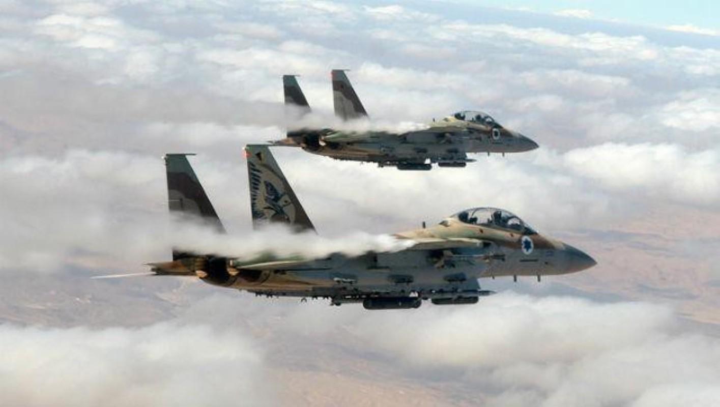 Israel lien tiep tan cong muc tieu Iran gan can cu quan su Nga-Hinh-11