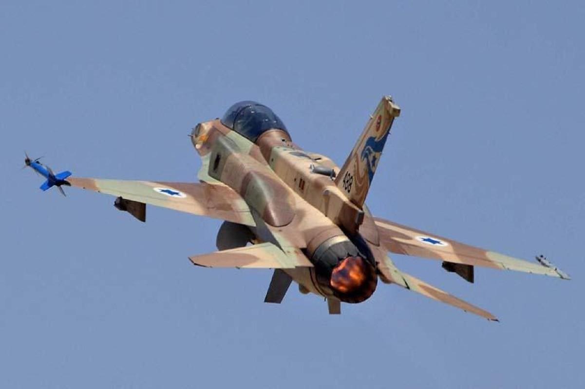 Israel lien tiep tan cong muc tieu Iran gan can cu quan su Nga-Hinh-6