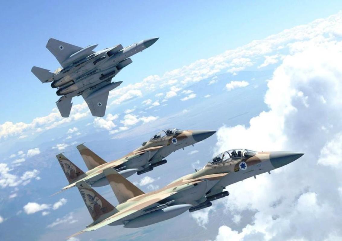 Israel lien tiep tan cong muc tieu Iran gan can cu quan su Nga-Hinh-8