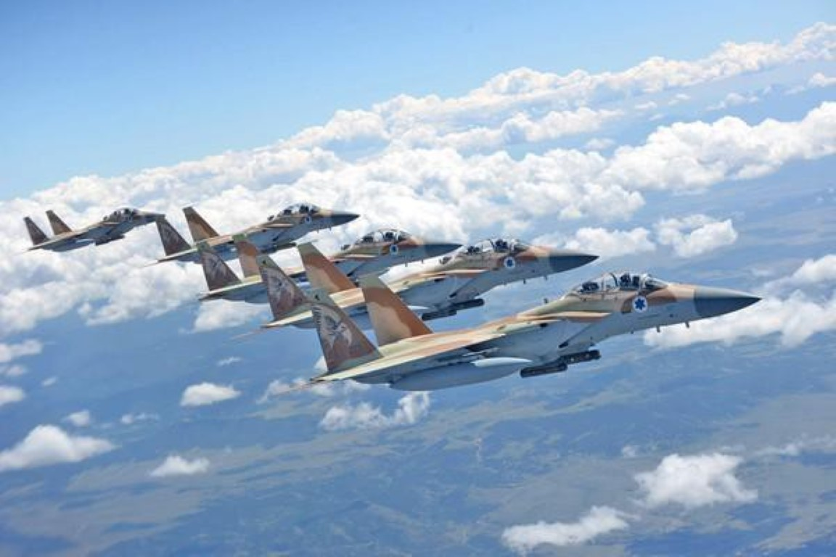 Israel lien tiep tan cong muc tieu Iran gan can cu quan su Nga-Hinh-9