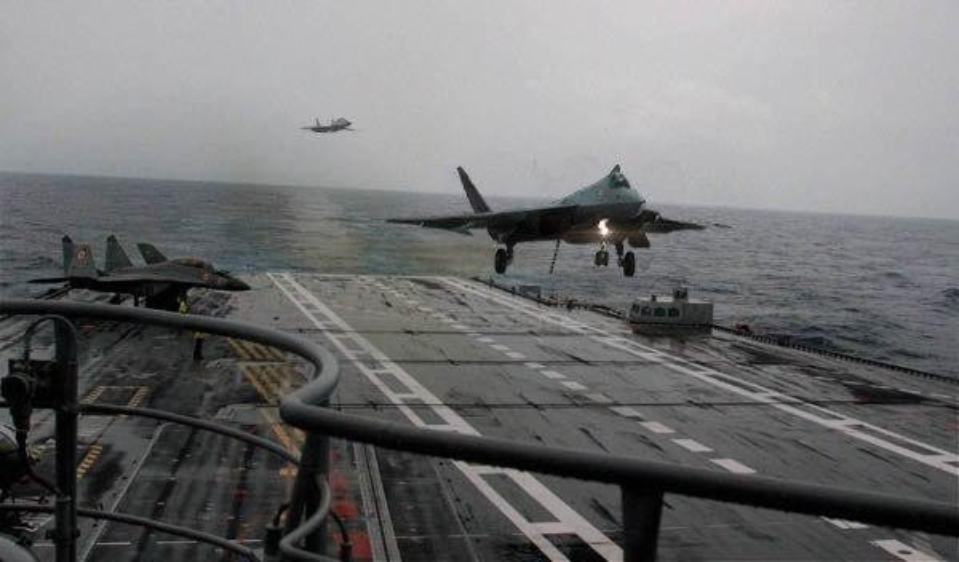 He lo thoi diem tau san bay Nga duoc trang bi tiem kich tang hinh Su-57-Hinh-2