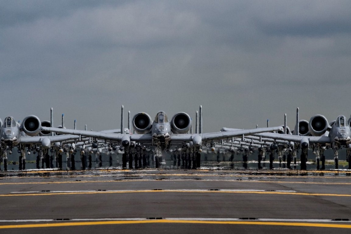 Bat ngo: Khong quan My dang co nhieu F-35 hon ca F-15 va F-10-Hinh-13