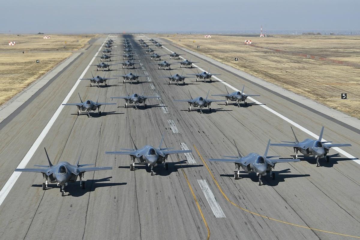 Bat ngo: Khong quan My dang co nhieu F-35 hon ca F-15 va F-10-Hinh-2