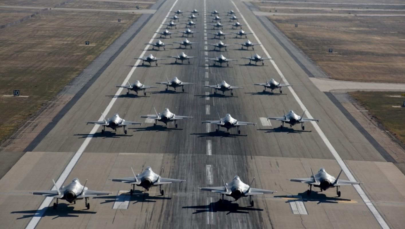 Bat ngo: Khong quan My dang co nhieu F-35 hon ca F-15 va F-10-Hinh-4
