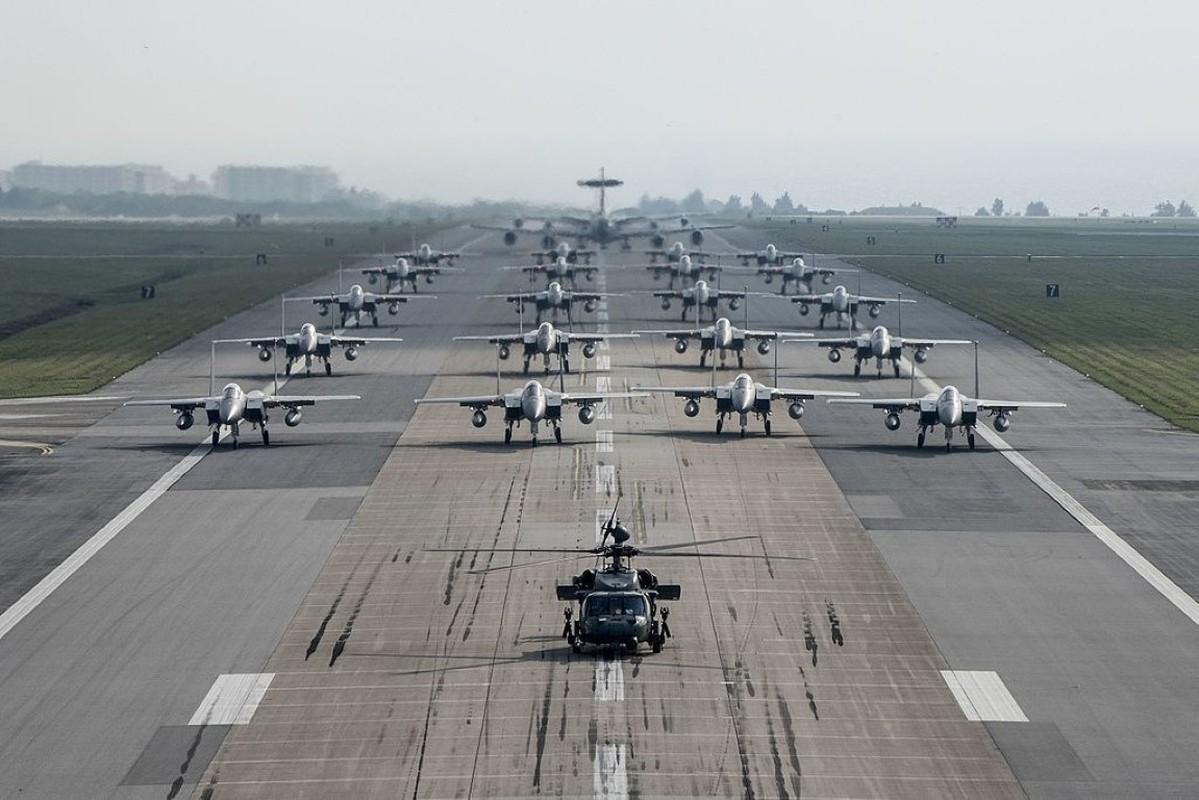 Bat ngo: Khong quan My dang co nhieu F-35 hon ca F-15 va F-10-Hinh-9