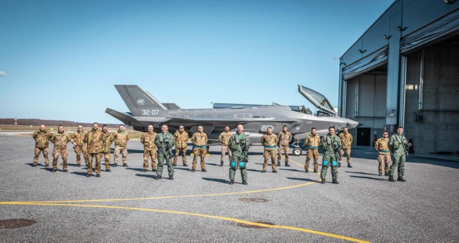 Thieu tuong Nga: F-35 xuat hien tai Baltic chi nhu