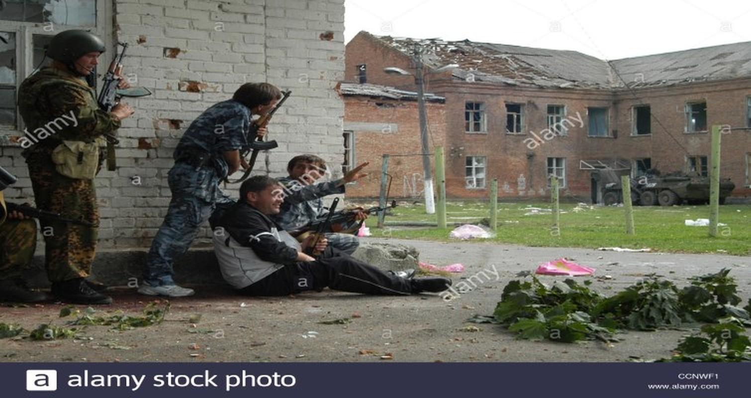 Ky uc kinh hoang ve vu khung bo truong hoc Beslan o Nga-Hinh-13