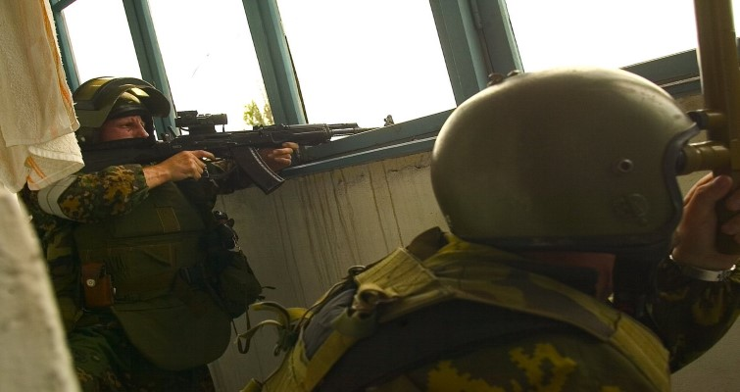 Ky uc kinh hoang ve vu khung bo truong hoc Beslan o Nga-Hinh-14