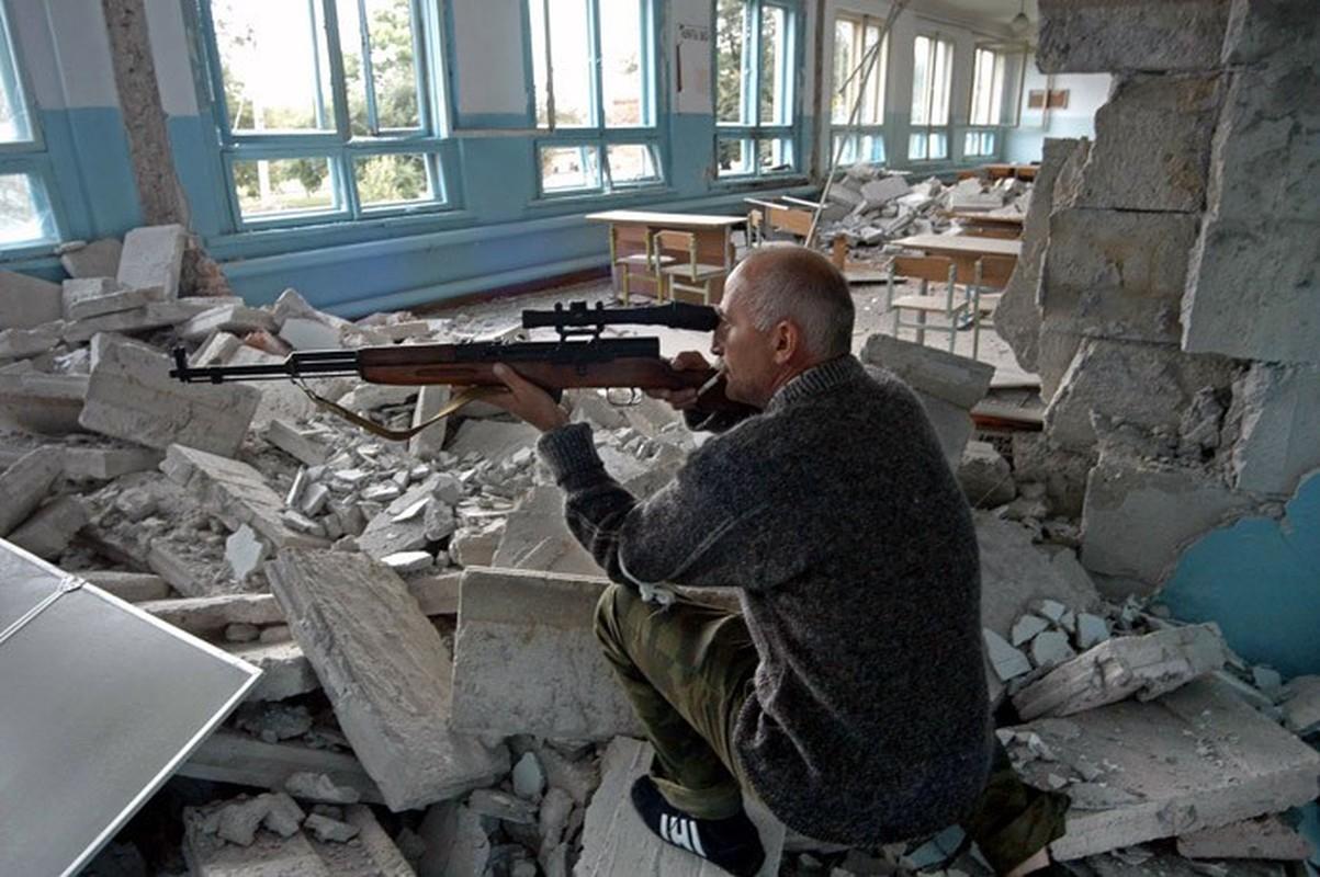 Ky uc kinh hoang ve vu khung bo truong hoc Beslan o Nga-Hinh-2