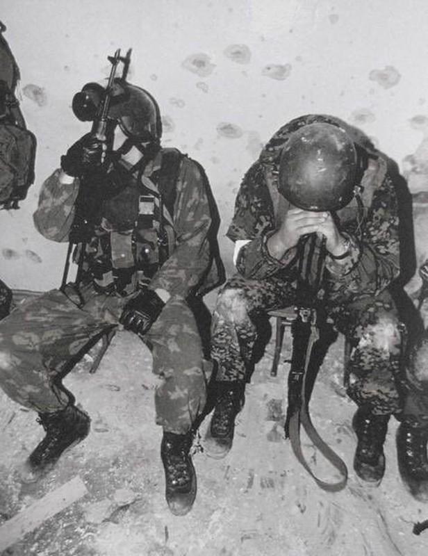 Ky uc kinh hoang ve vu khung bo truong hoc Beslan o Nga-Hinh-9