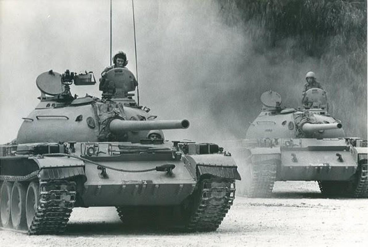 Hoan cai xe tang T-54/55 thanh xe boc thep cho quan, Israel khien ca the gioi kinh ngac-Hinh-2