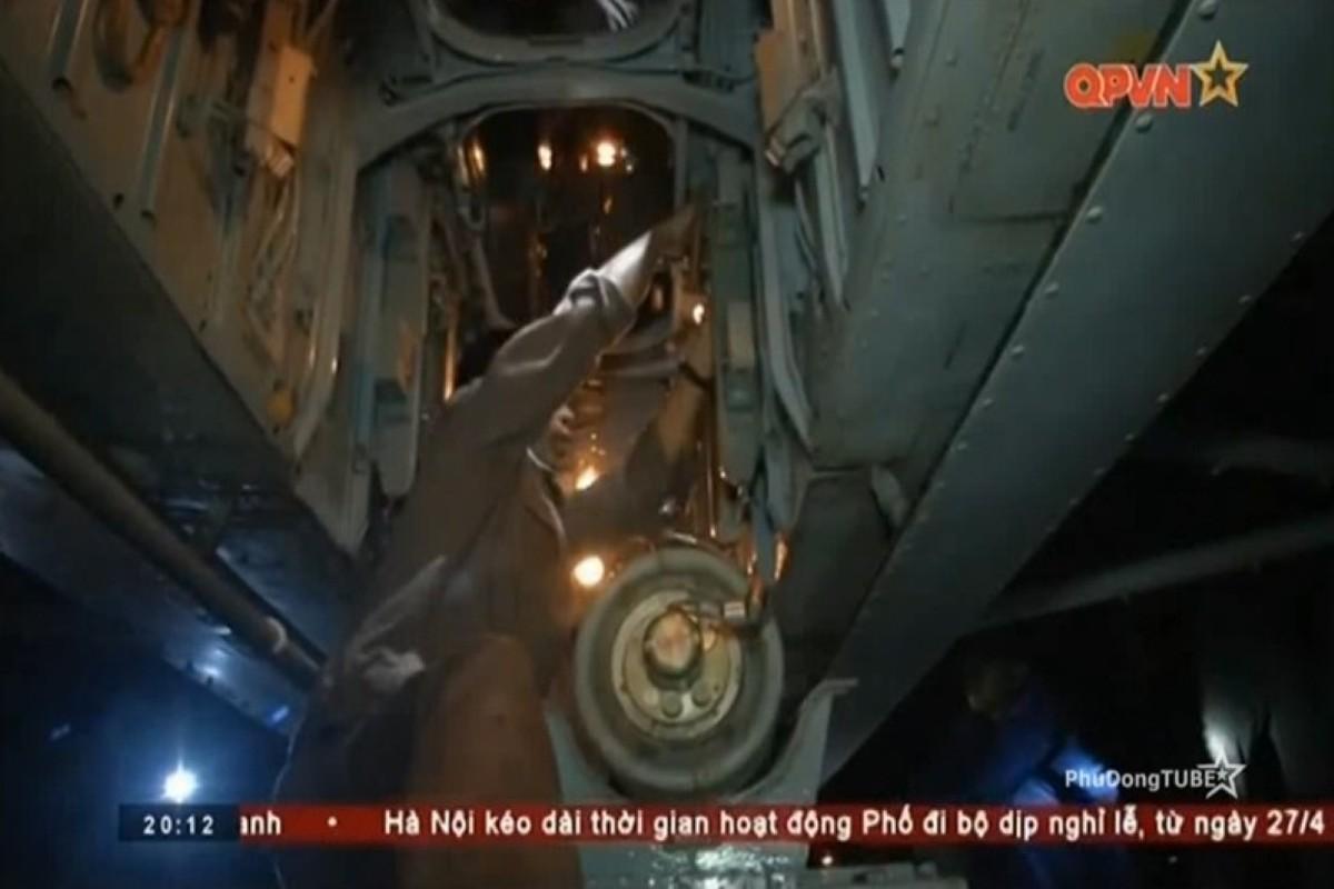 Truc thang san ngam Ka-28 Viet Nam cung bom san ngam PLAB-250-120-Hinh-6