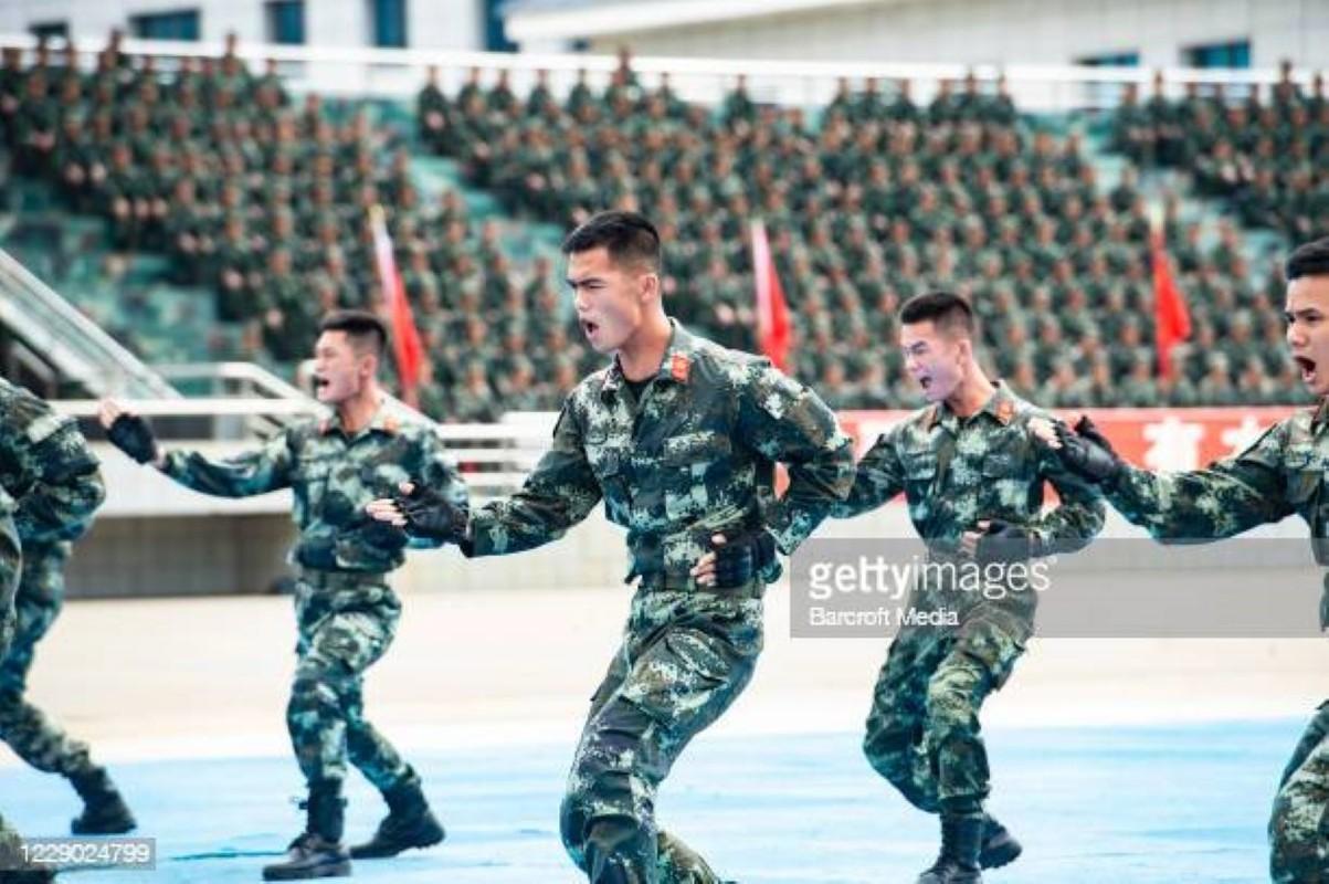 Luong cua linh Trung Quoc: Cao chot vot nhung van thieu quan-Hinh-11