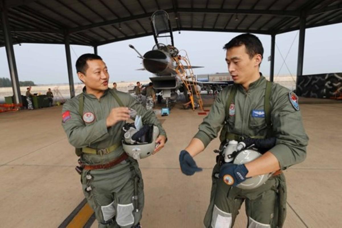 Luong cua linh Trung Quoc: Cao chot vot nhung van thieu quan-Hinh-6