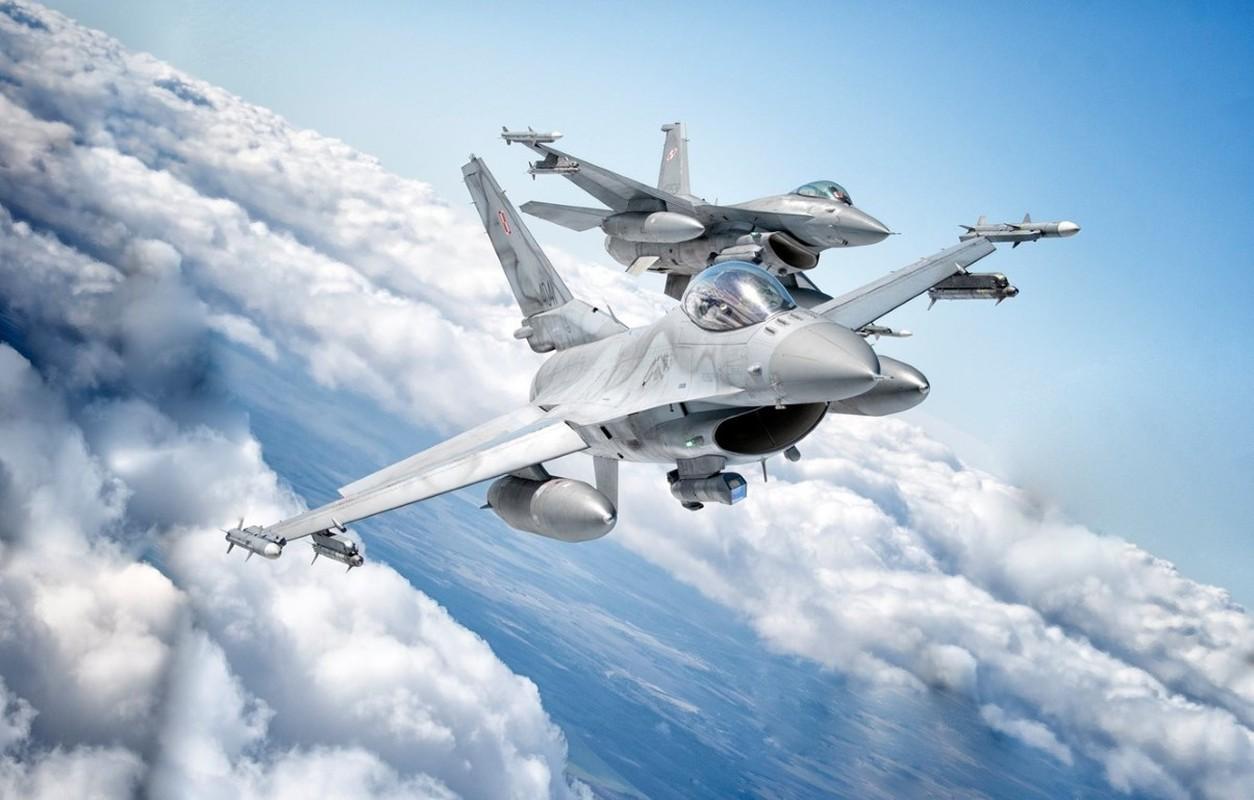 Hai quan My ha cap, doi tu F/A-18 thanh F-16 cho tiet kiem-Hinh-11
