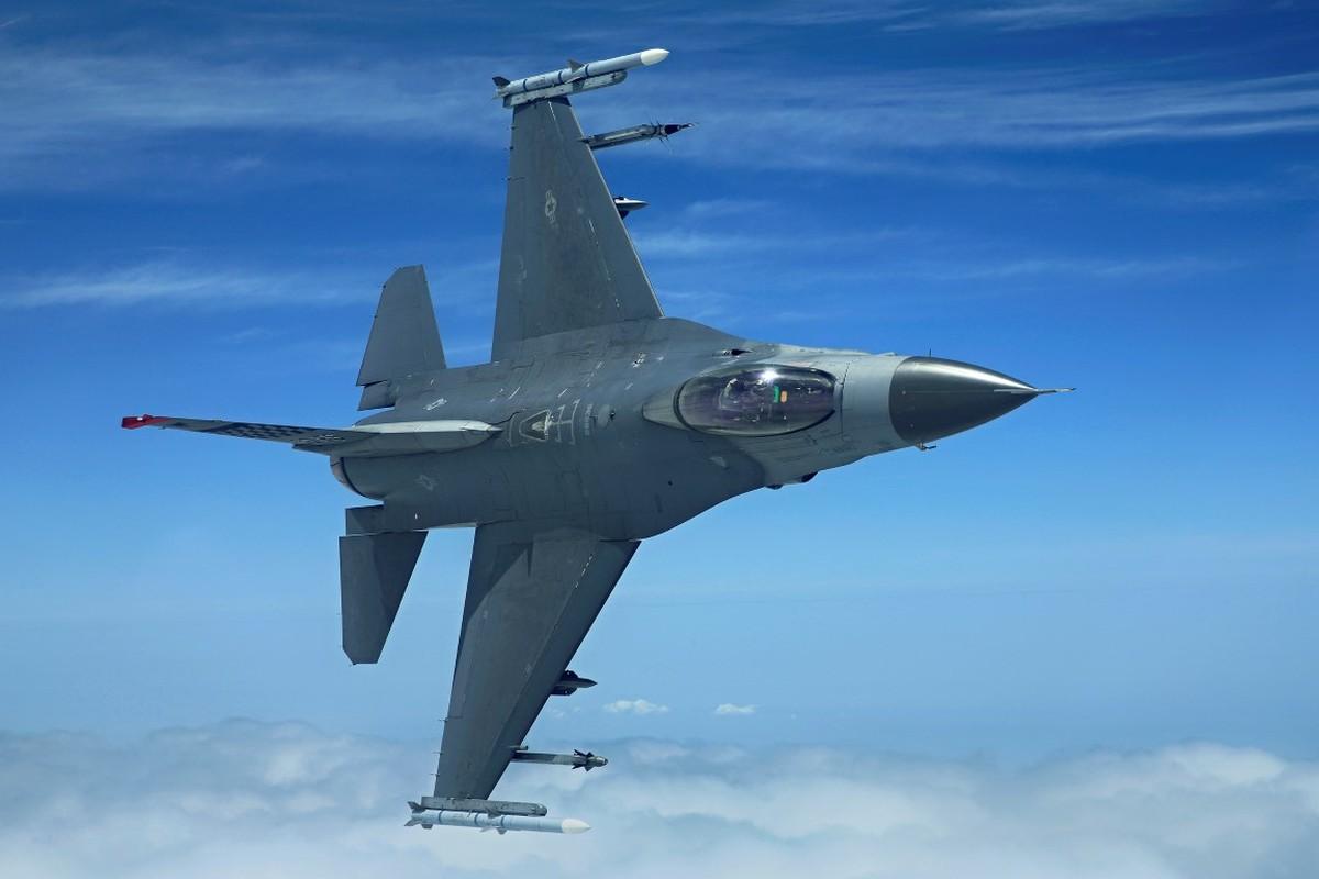 Hai quan My ha cap, doi tu F/A-18 thanh F-16 cho tiet kiem