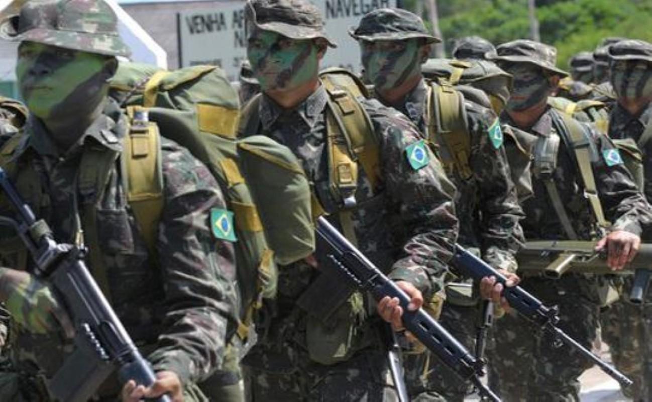 Khau sung truong phuong Tay la doi thu cua AK-47 trong Chien tranh Lanh-Hinh-16