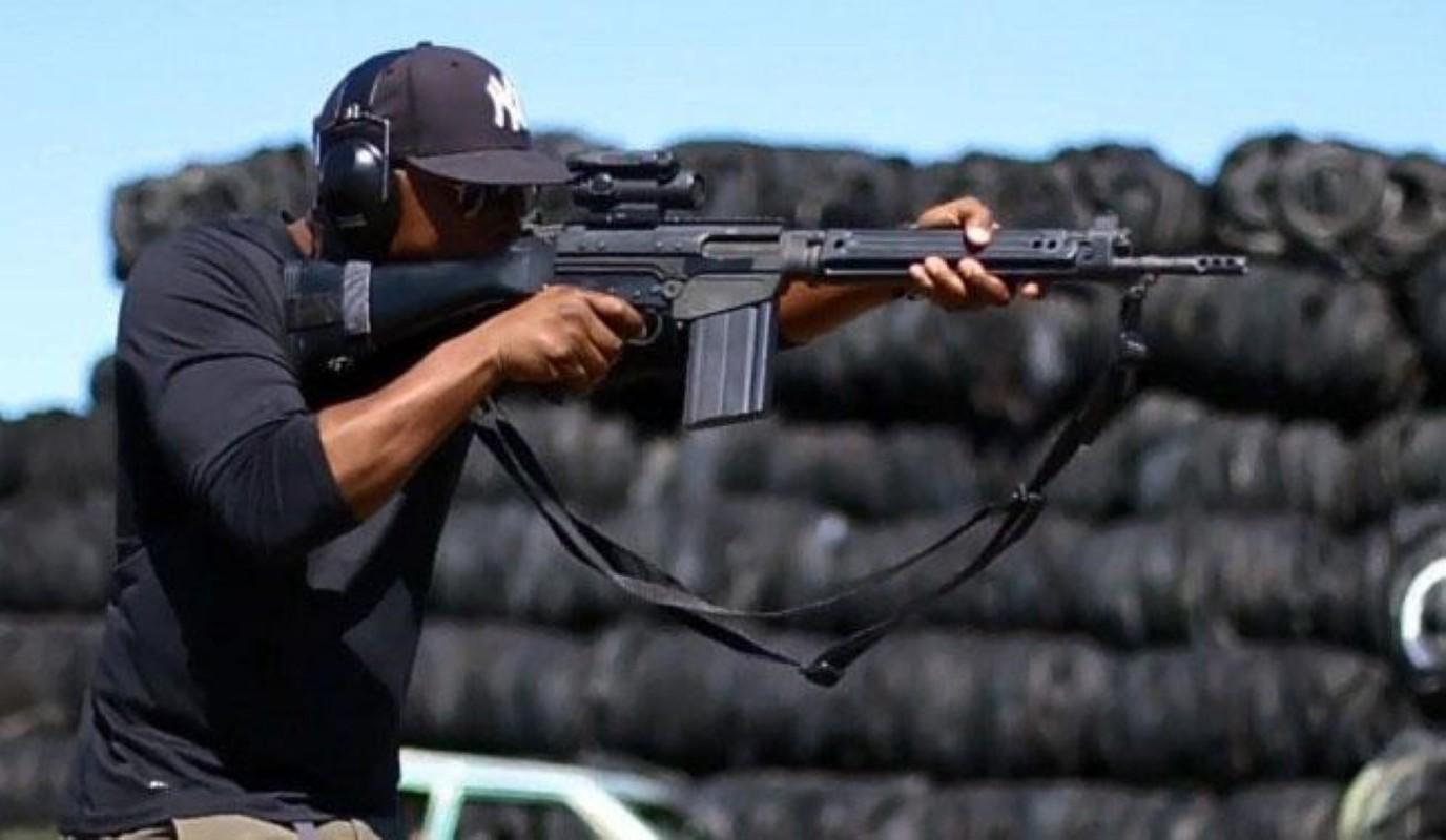 Khau sung truong phuong Tay la doi thu cua AK-47 trong Chien tranh Lanh-Hinh-6