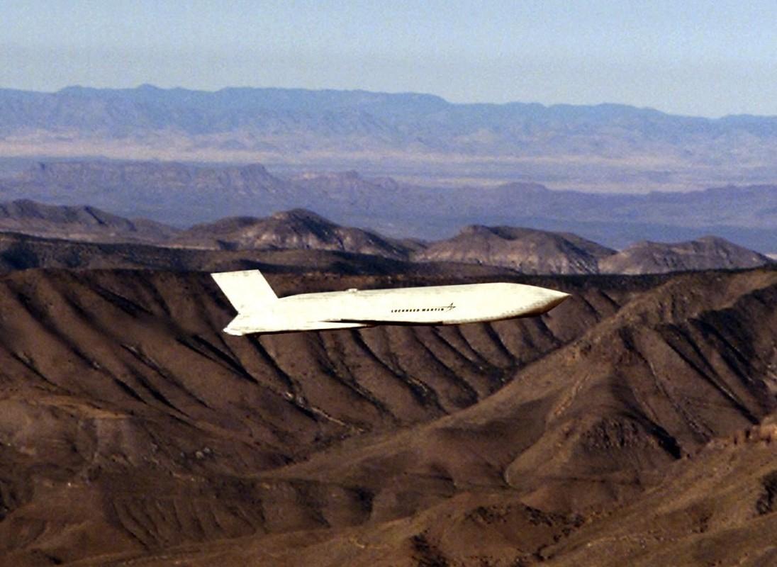 Suc manh co bap: Tiem kich F-15EX mang theo 15 ten lua cung luc-Hinh-11