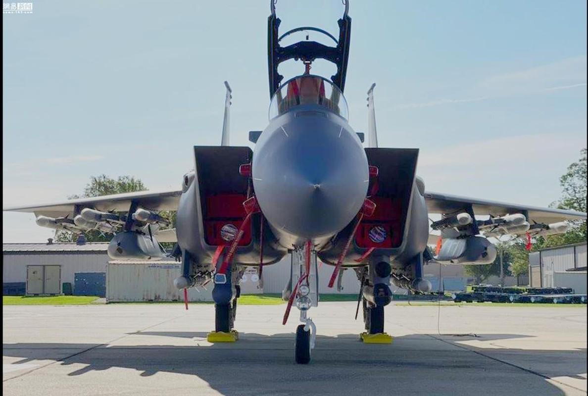 Suc manh co bap: Tiem kich F-15EX mang theo 15 ten lua cung luc