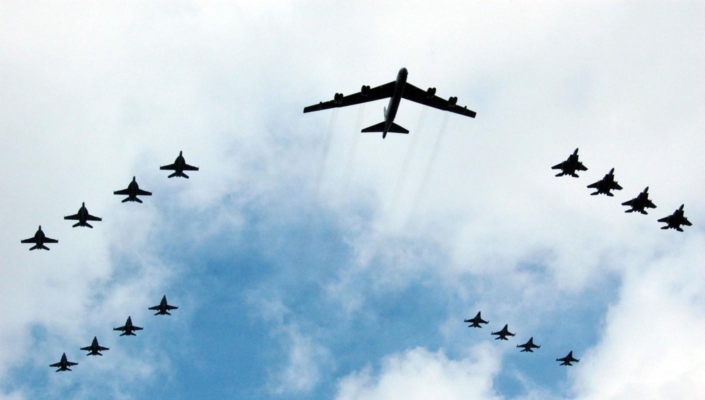 Hon 60 nam di qua, B-52 van la bieu tuong cua khong quan My-Hinh-10