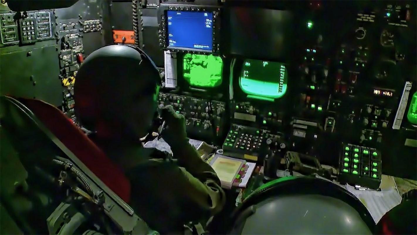 Hon 60 nam di qua, B-52 van la bieu tuong cua khong quan My-Hinh-19