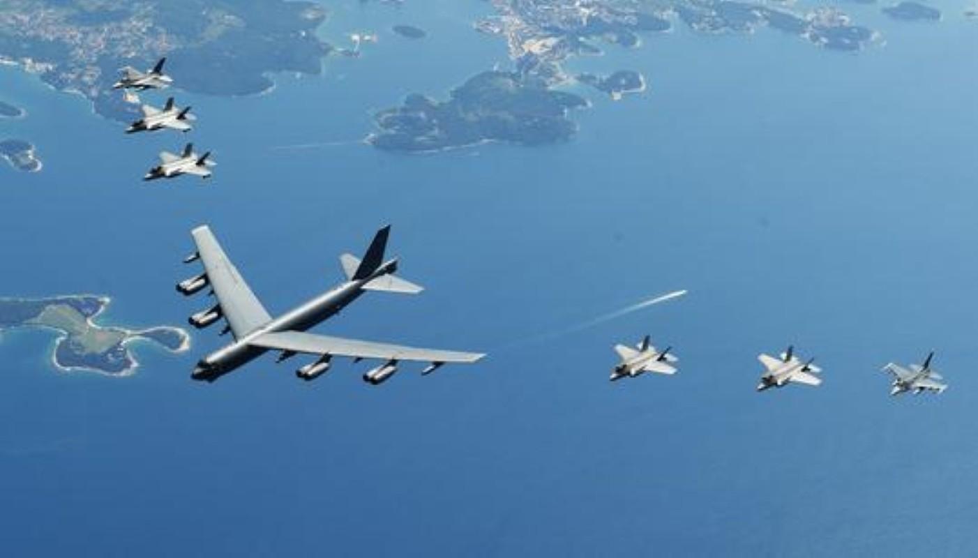 Hon 60 nam di qua, B-52 van la bieu tuong cua khong quan My-Hinh-9