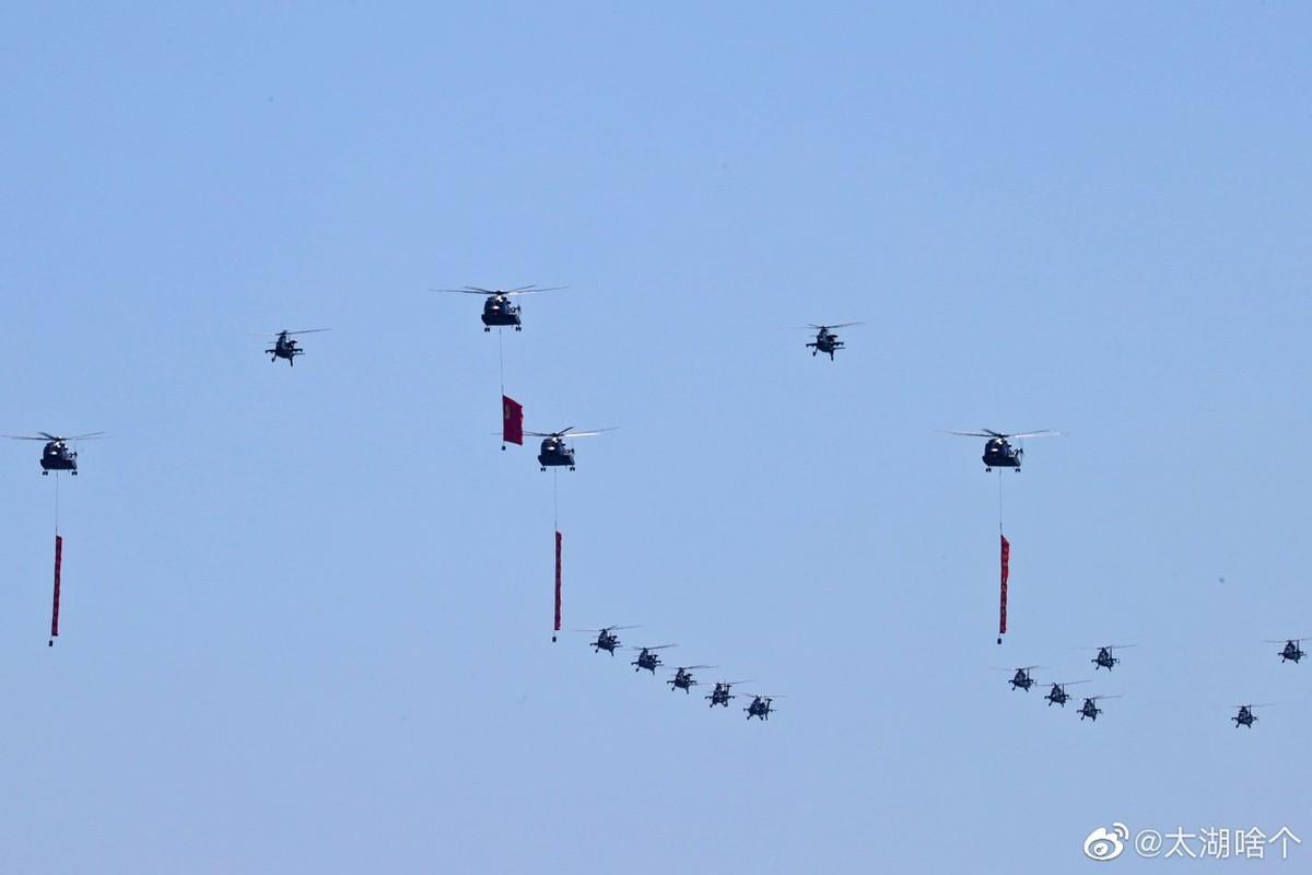 Dan may bay Trung Quoc chuan bi cho le duyet binh tren khong-Hinh-9