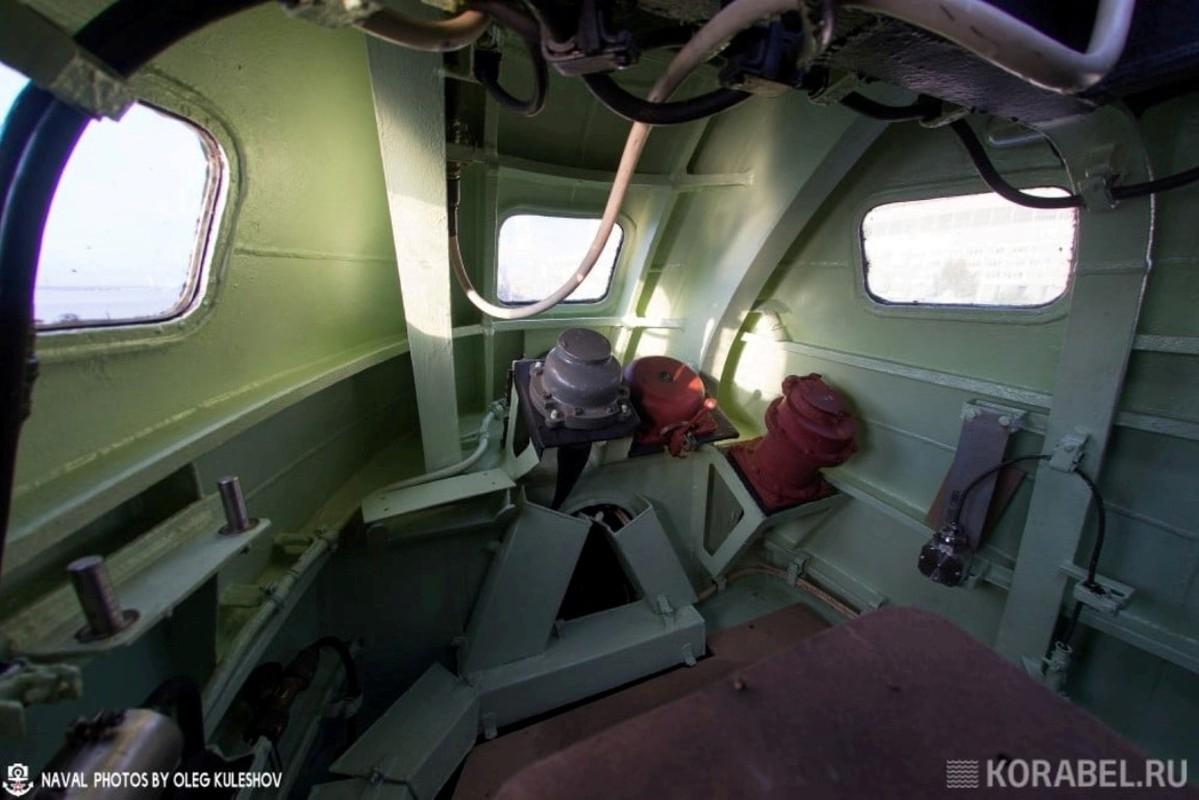 Noi that ben trong tau ngam K-561 Kazan Nga: Van chat choi nhu thuong-Hinh-3