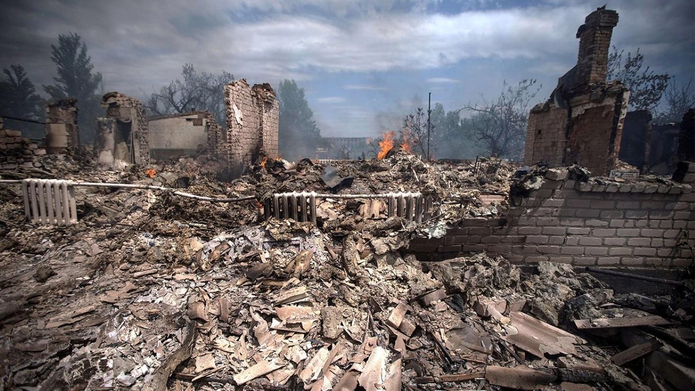Lan dau tien trong lich su, bom dan NATO na vao Donbass-Hinh-3