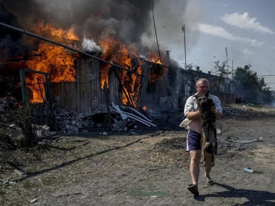 Lan dau tien trong lich su, bom dan NATO na vao Donbass-Hinh-4