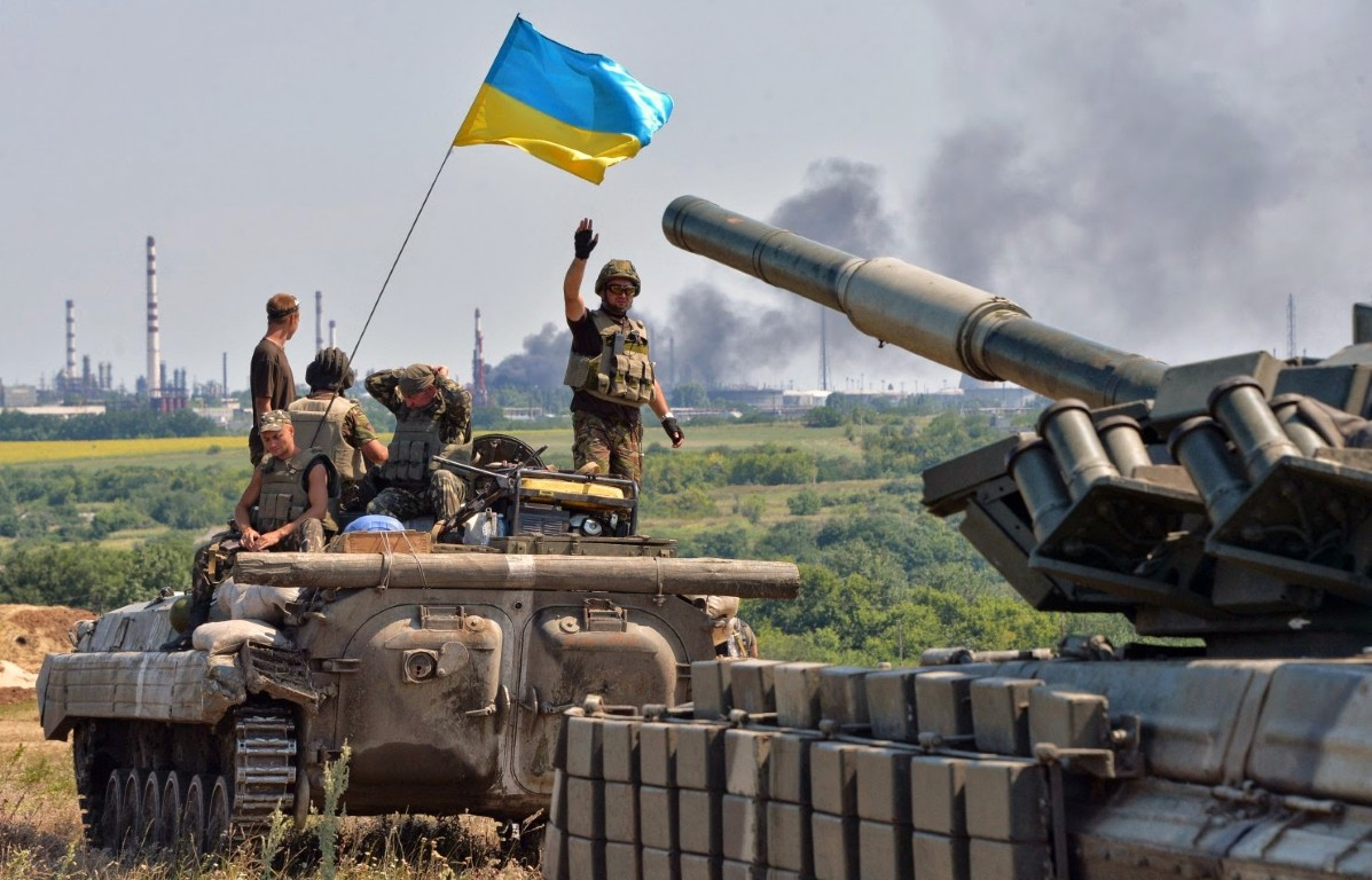 Lan dau tien trong lich su, bom dan NATO na vao Donbass-Hinh-7