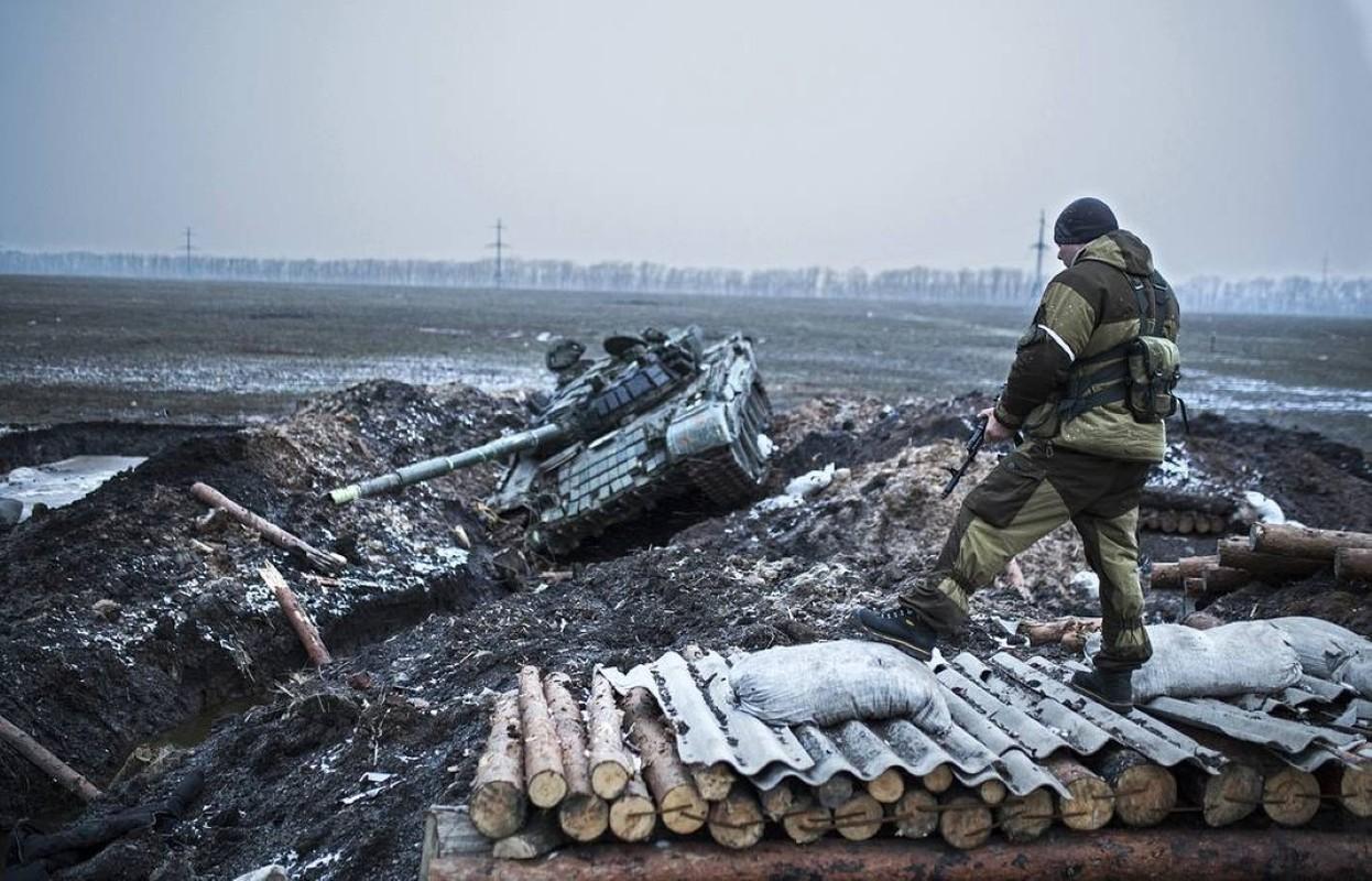 Lan dau tien trong lich su, bom dan NATO na vao Donbass-Hinh-8