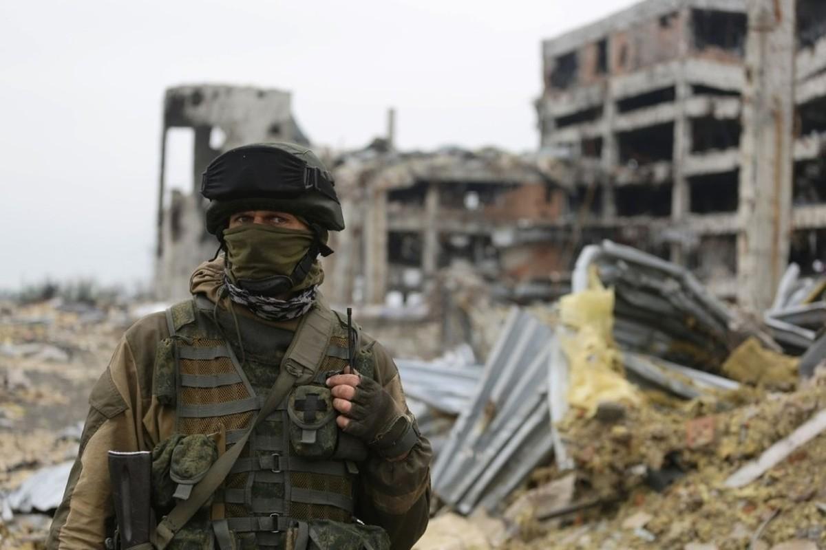 Lan dau tien trong lich su, bom dan NATO na vao Donbass-Hinh-9
